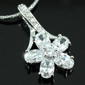 Colier Borealy Diamonds Fleur3