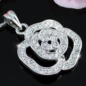 Medalion Borealy Rose White1