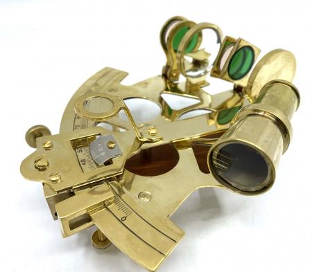 Golden Sextant - pentru cei ce iubesc navigarea pe mari si oceane [1]