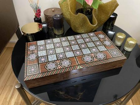 Joc de SAH si TABLE cu insertii de sidef, piese sah din metal AURII/ARGINTII sculptate manual, calitate premium12