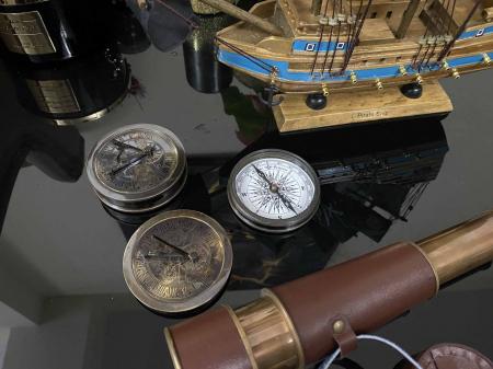 Pirates of the Seas: macheta corabie pirati, luneta functionala, busola + ceas solar functionale [6]