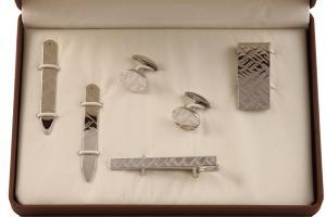 Cadou Purple & Silver Accessories by Jos Von Arx2