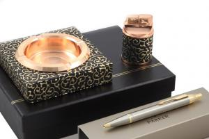 Impressive Smoking Set & Parker Golden Pen1