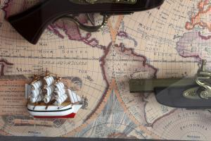 Tablou Guns & Boats2