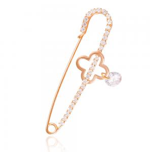 Brosa Borealy Gold Clover Safety Pin