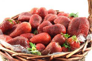 Strawberries Basket1