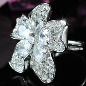 Inel Borealy Crystal Pear Cut 12 carate Queen Flower6