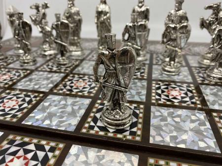 Joc de SAH si TABLE cu insertii de sidef, piese sah din metal AURII/ARGINTII sculptate manual, calitate premium5