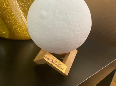 "Lampa Luna 3D Moon, 46 cm circumferinta, & placuta ""I Love You to the Moon and Back""1"