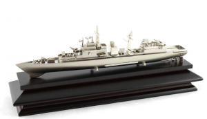 Decoraţiune Navă Amiral Desk0
