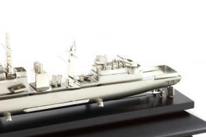 Decoraţiune Navă Amiral Desk1