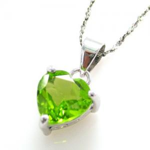 Peridot Natural Ultra Heart 2 carate Colier -Argint 9251