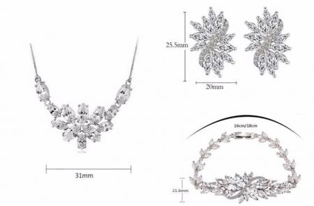 Set Borealy Crystals Colier, Cercei si Bratara Dolce Luxury4