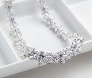 Set Cercei şi Colier Luxury Wedding Borealy5