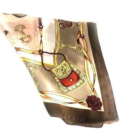 Cadou Pompadour Rose Portofel Cacharel, Cercei One Diamond Square Princess si Esarfa Borealy [4]