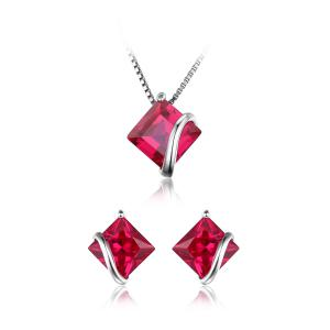 Borealy Red Merry Rubin Studs 6 carate Argint 9250