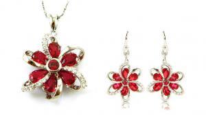 Cercei şi medalion Flower Rubin by Borealy Argint 9250