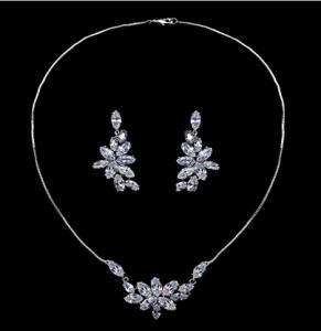 Set Borealy Crystals Colier si Cercei Delice Luxury1