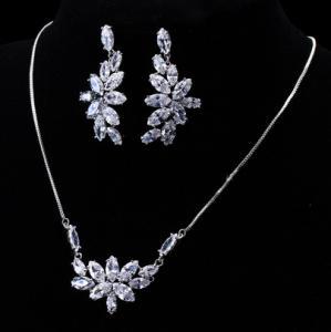 Set Borealy Crystals Colier si Cercei Delice Luxury2