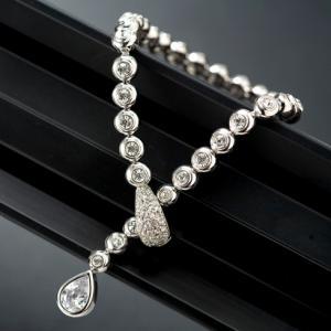 Luxury Hypnotic Set Medalion, Cercei, Brăţară2