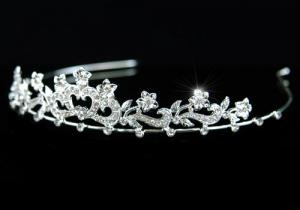 Tiara Borealy Bridal Heart Crystal2