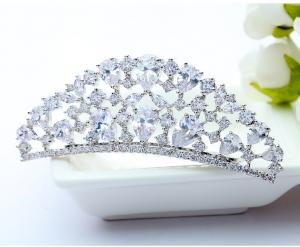 Tiara Borealy Luxury Bride Pieptane1
