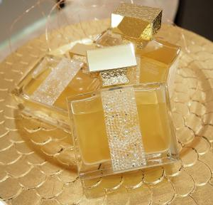 Set Ylang in Gold by M.Micallef - Eau de Parfume 100 Ml si Esarfa Cacharel4