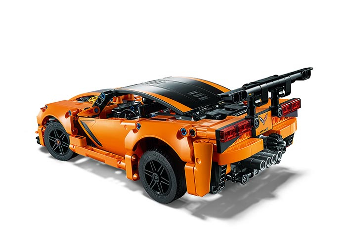 Chevrolet Corvette ZR1 -  LEGO Technic 3