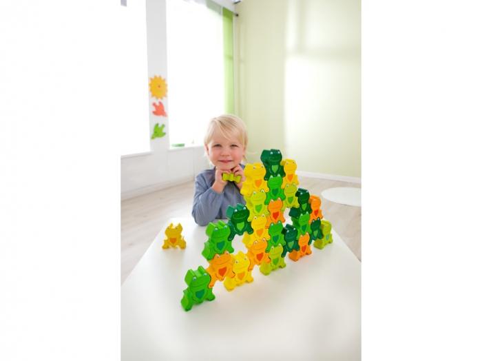 Joc de sortare si stivuire - Cheeky Frogs 3D 3