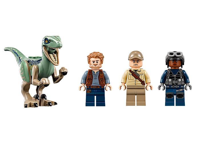 Urmarirea lui Blue - LEGO Jurassic World 75928 2
