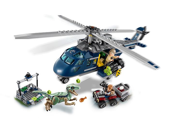 Urmarirea lui Blue - LEGO Jurassic World 75928 5