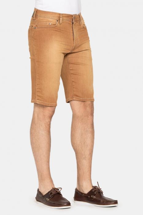 SHORT PASSPORT. Regular waist and leg. 1