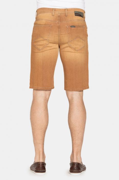SHORT PASSPORT. Regular waist and leg. 2