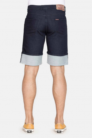 SHORT 721 style in JEANS. Regular waist and comfortable leg.2