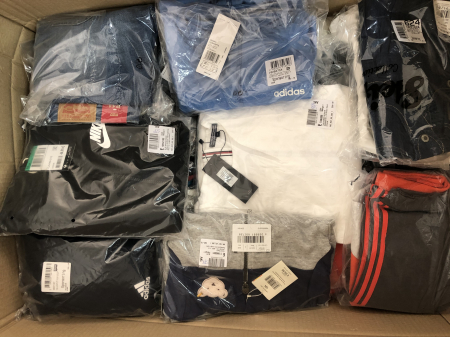 Lot imbracaminte copii en gros - TOMMY HILFIGER DESIGUAL JACK & JONES etc1