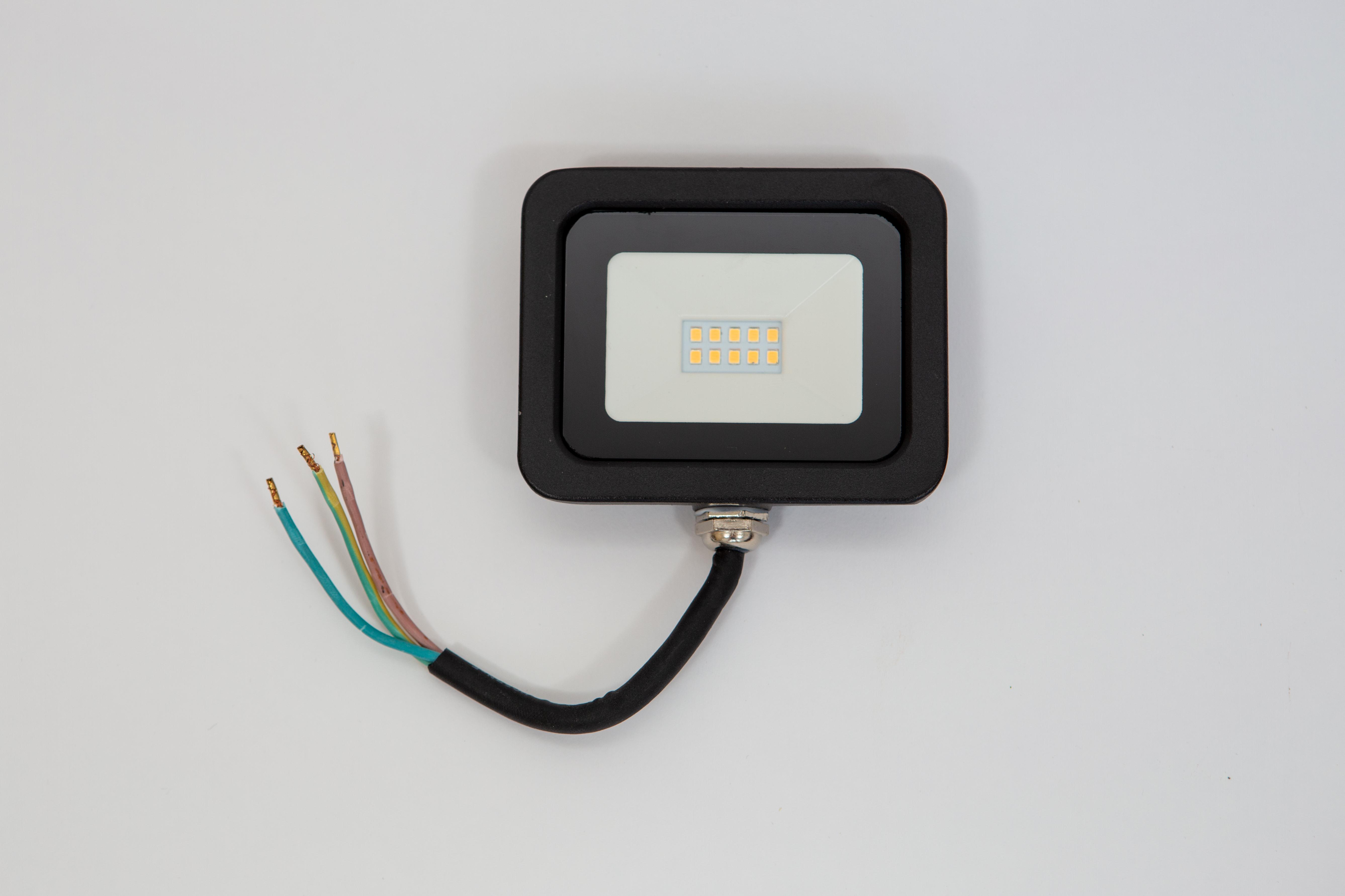 Proiector led 10 w, 810 lm, lumina calda ( 3000 k ), ip 65 , clasa a++,carcasa aluminiu negru [0]