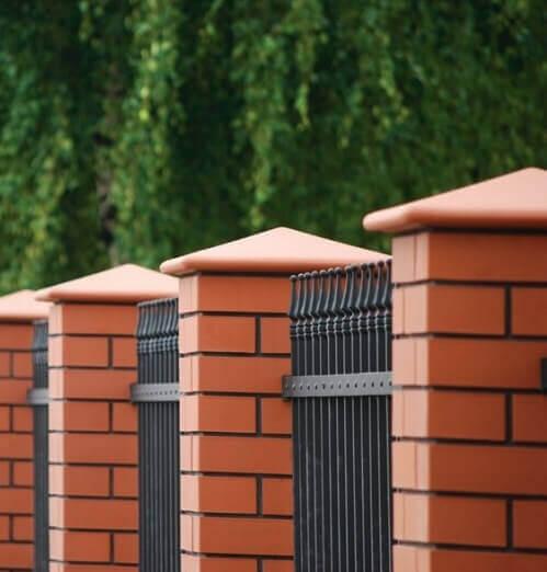 Capac Ceramic 01 Ruby Red Natural, pentru Stalpi de Gard [1]