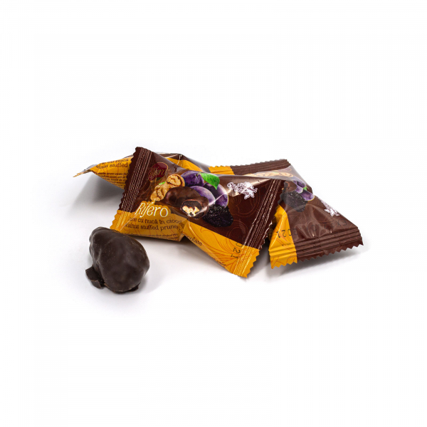 Prune cu nuca in ciocolata 0