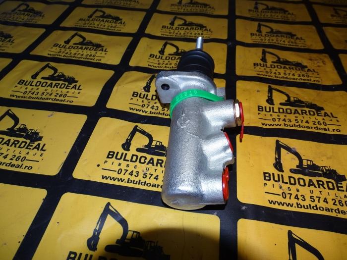 Pompa frana Case 580/590 0