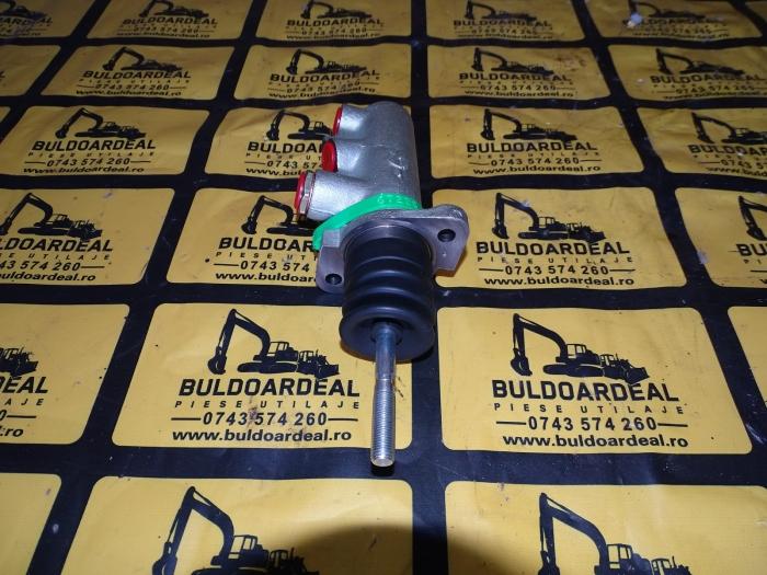 Pompa frana Case 580/590 1