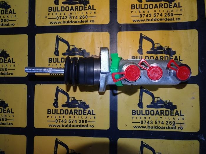 Pompa frana Case 580/590 3