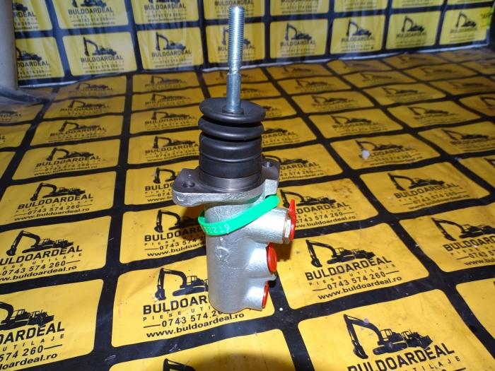 Pompa frana Case 580/590 4