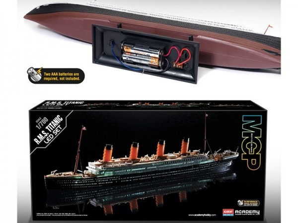 Kit constructie RMS Titanic scara 1/700 colorat si cu leduri lumina 0