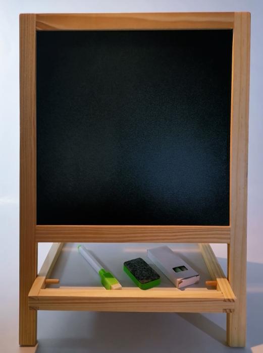 Tabla magnetica de scris si desenat, pliabila, cu doua fete, din lemn/mdf 0