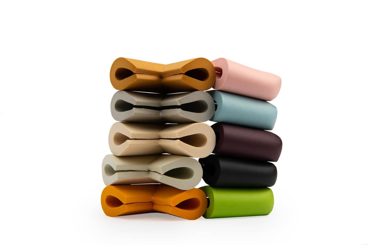 Coltare de protectie de diferite culori pentru mobila