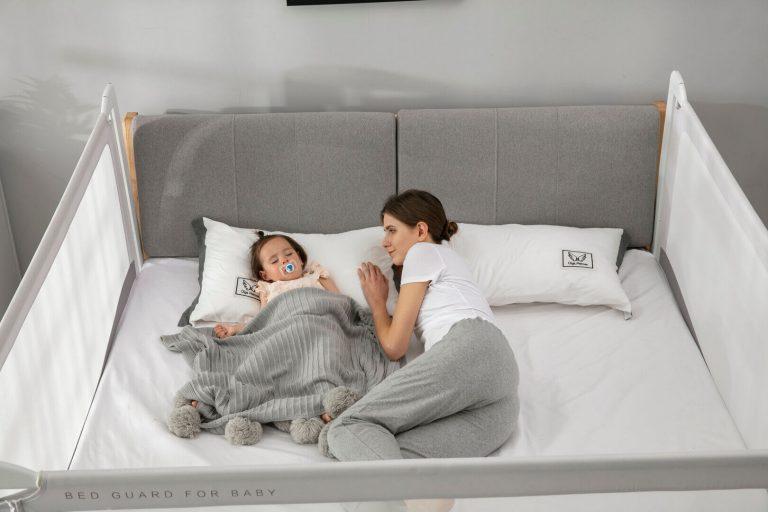 Despre co-sleeping – de ce să doarmă copiii în pat cu părinții