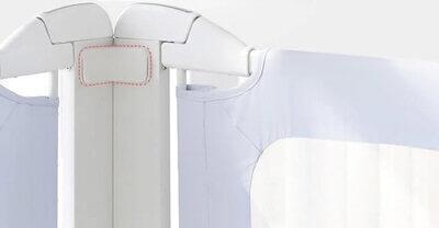 Doua bariere de pat legate impreuna cu conectori