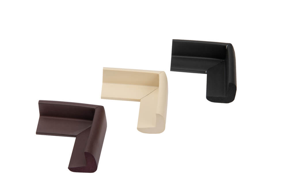 Coltare de protectie de diferite dimensiuni pentru mobila