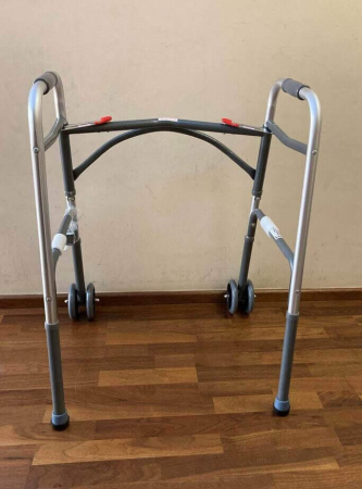 Cadru de mers XXL, pliabil, cu roti, ultra rezistent, ultra usor, ajustabil, din aluminiu [3]