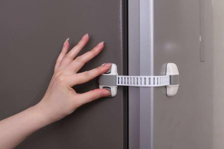 Set 4 protectii flexibile si ajustabile pentru dulapuri, 20 x 5.5 cm, Gri [3]